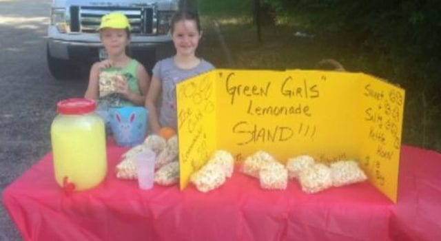 Green Girls Lemonade Stand
